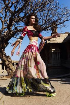 lovely lehenga #lehenga #choli #indian #hp #shaadi #bridal #fashion #style #desi #designer #blouse #wedding #gorgeous #beautiful
