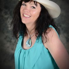 Do you think Psychic Cowgirl® deserves to win 2014 MOMpreneur Award of Excellence? Have your say! Vote today for the #MOMpreneurAward    Last day to vote!