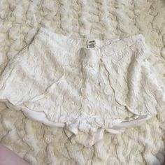 Lace Shorts White lace shorts! Adorable for summer! Unfortunately I'm the whitest person ever and they wash me out! Fits a person who is a 27-29 best Sans Souci Jeans