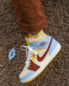 8 Air Jordan 1 in my wishlist – The Kicks Girl 2020 Sneakers Mode, Sneakers Fashion, Fashion Shoes, Style Fashion, Fashion Tips, Jordan Shoes Girls, Girls Shoes, Nike Air Shoes, Retro Nike Shoes