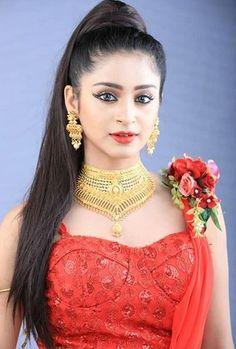 Arabian Makeup, Beautiful Girl Image, Beautiful Indian Actress, India Beauty, Girls Image, Cute Woman, Traditional Dresses, Indian Actresses, Beauty Women