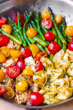 One-Pan Pesto Chicken, Tortellini, and Veggies – healthy, easy-to-make Mediterranean-style dinner that is good for you and it tastes like comfort food! This easy chicken dinner is packed with colorful…More Easy Tortellini Recipes, Chicken Tortellini, Pesto Chicken, Pesto Tortellini, Pasta Recipes, Sausage Tortellini, Cooked Chicken, Healthy Chicken Dinner, Healthy Dinner Recipes