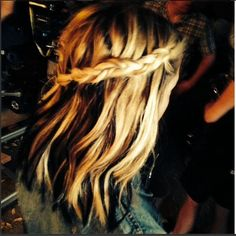 we love this braid on Hanna. #PrettyLittleLiars