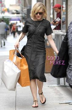 Cate Blanchett Is One Chic Shopper Cate Blanchett, Nice Dresses, Dresses For Work, Mein Style, Mode Inspiration, Glamour, Classy Outfits, Star Fashion, Style Icons