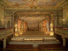 Theatre database / Gledališka arhitektura v srednji Evropi