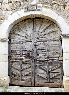 porte ancienne (French for old door/gate) Door Entryway, Entrance Doors, Doorway, Garage Doors, Gate Handles, Window Handles, Cool Doors, Unique Doors, Porte Cochere