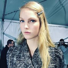 Like Margot Tenenbaum @n21_official #glamourgoestofashionweek #mfw17 #n21 #hairclip #margottenenbaum #glamourbeauty #backstage #makeup @tompecheux #hair @anthonyturnerhair  via GLAMOUR ITALIA MAGAZINE OFFICIAL INSTAGRAM - Celebrity  Fashion  Haute Couture  Advertising  Culture  Beauty  Editorial Photography  Magazine Covers  Supermodels  Runway Models