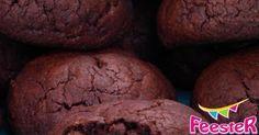 Maak deze heerlijke kleine brownie koekjes, met jawel.. pindakaas! Lekker crunchy van buiten en zacht en fudgy van binnen.