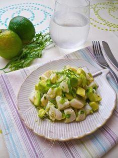 Un tartare frais et léger aux St Jacques, avocat et citron vert