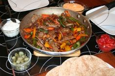 Fajitas are a great dinner option at the cabin when you are entertaining guests or just looking for a new idea for the family supper at the lake. Here is our simple recipe for fantastic steak fajitas. Summer Recipes, Easy Recipes, Easy Meals, Cottage Meals, Steak Fajitas, Good Food, Veggies, Tasty, Beef