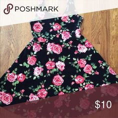 FOREVER 21 DRESS Forever 21 Flower Skater Style Dress. 2nd photo actual style & color Forever 21 Dresses
