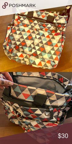 8c4ff5da5d84c SKIPHOP Messenger Diaper Bag GREAT CONDITION! No flaws! Looks brand new!   Skiphop  Diaperbag  BabyBag Skip Hop Bags Baby Bags