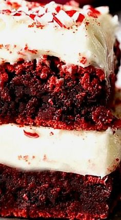 Red Velvet Peppermint Brownies with Peppermint Cream Cheese Frosting ❊