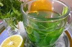 Έτοιμο σε 5 λεπτά, το πίνεις για 5 ημέρες και χάνεις 5 κιλά - Ομορφιά & Υγεία - Athens magazine Cholesterol Symptoms, Cholesterol Lowering Foods, Cholesterol Levels, Fast Healthy Meals, Healthy Recipes, Healthy Food, Healthy Nutrition, Parsley Tea, Strong Drinks