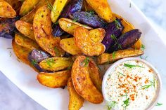 These smoky roasted fingerling potatoes are one of my favorite potato recipes. Smoky, creamy, and perfectly golden brown potatoes served with a ridiculously tasty potato salad inspired dipping sauce. Creamy Potato Salad, Potato Salad With Egg, Roasted Fingerling Potatoes, Salsa, Salad Recipes Video, Recipe Videos, Thing 1, Potato Recipes, Broccoli Recipes