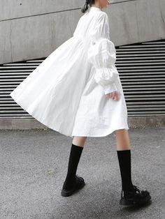Structured Fashion, Pleated Shirt, Camisa Formal, White Fashion, Fashion 2020, Editorial Fashion, Ideias Fashion, White Dress, Fashion Outfits