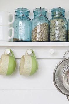 Simple instructions for making your own peg rail- perfect for accessorizing in the kitchen!