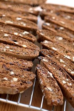 Gingerbread Biscotti recipe for holidays. Delicious Cookie Recipes, Sweet Recipes, Yummy Treats, Baking Recipes, Dessert Recipes, Yummy Food, Gingerbread Biscotti Recipe, Italian Cookies, Dessert For Dinner