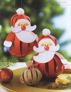 Santas de cartón