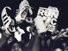 The Birth of the Hip-hop Sneaker Culture: Run-DMC x Addidas Adidas Superstar, Superstar 80s, Run Dmc, Hip Hop Sneakers, Baskets, School Images, Adidas Tracksuit, Hip Hop Outfits, Classic Sneakers