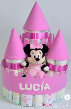 Este bonito castillo de pañales acompañado de Minnie, Donald o Pluto es una tarta de pañales ideal como regalo de nacimiento o de primer cumpleaños ¿Te apetece ver todos los modelos? Los encontrarás haciendo clic en la foto o en https://mibbtarta.es/producto/castillo-de-panales-disney/ #castillodepañales #canastilla #babyshower #regalonacimiento #regalobebe #cestanacimiento #cestabebe #regalosoriginales #tartadepañales #tartasdepañales #fiestababyshower #diapercake #diapercastle