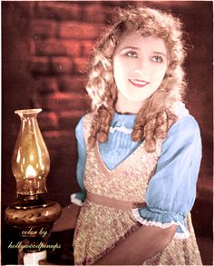 Mary Pickford as the ever optimistic POLLYANNA color by hollywoodpinups) Golden Age Of Hollywood, Vintage Hollywood, Hollywood Glamour, Hollywood Actresses, Classic Hollywood, Actors & Actresses, Artist Film, Mary Pickford, Silent Film Stars