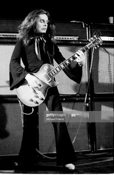 Paul Kossoff - gifted guitarist in Free and Back Street Crawler who tragically died from drugs at age Music Images, Music Pictures, Stock Pictures, Paul Kossoff, British Rock, Gibson Les Paul, Blues Rock, Music Photo, Music Guitar
