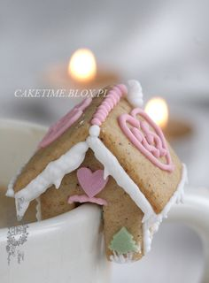 Mini Gingerbread House Cup Sitters (Gingerbread & Icing Recipe) - 4 The Love Of Family