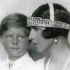 Queen Elena with the future King Micheal of Romania. Her marriage to King Carol II ended in divorce in she kept the meander tiara and wore it to various royal events. Royal Crowns, Royal Tiaras, Tiaras And Crowns, Romanian Royal Family, Thurn Und Taxis, Royal House, Royal Life, Royal Jewelry, Blue Bloods