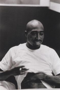 """""""I inherited the family business and thats being a revolutionary, terrorizing this country through my music"""" Rapper, Tupac Wallpaper, Tupac Makaveli, Tupac Quotes, Tupac Pictures, Hip Hop Classics, Rap God, Tupac Shakur, Thug Life"""