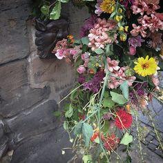 #flashflowers #guerillaflorists #edinburghfestival