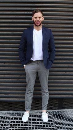 Sheldon M. Smart Casual Men, Casual Man, Normcore, Street Style, Style Inspiration, Mens Fashion, Guys, Female, T Shirt