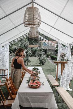 Cottage Wedding, Garden Party Wedding, Summer Wedding, Dream Wedding, Wedding Day, Wedding Ceremony, Wedding Guest Book Alternatives, Wedding Locations, Wedding Planner