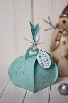 Winter/Christmas Curvy Keepsake Box