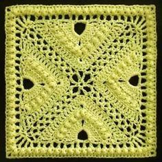 They're the Bee's Knees! 10 Free Bee #Crochet Patterns, roundup from mooglyblog.com by diane.smith