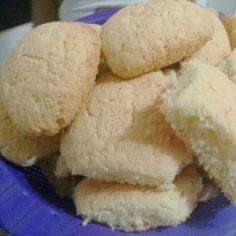 Receita de Bolacha 5 pratos. Enviada por Elza Vital e demora apenas 15 MIN. Red Rice Recipe, Donuts, Cheesecake Cake, Juicy Fruit, Whoopie Pies, Strawberry Recipes, Cookie Recipes, Bakery, Food And Drink