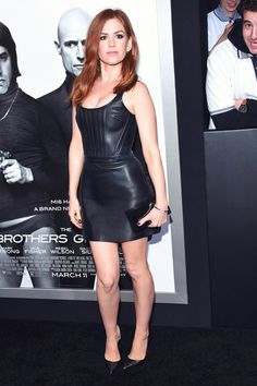 Australian actress Isla Fisher kept it simple, yet, stylish as she attended the premiere of Columbia Pictures and Village Roadshow Pictures' Isla Fisher, Dress Skirt, Bodycon Dress, Dress Shoes, Shoes Heels, Leder Outfits, Leather Dresses, Leather Skirts, Victoria Dress