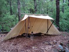 Highly versatile Whelen Lean-To Survival Hunting Camp Tent - - Powered by FusionBB Bushcraft Gear, Bushcraft Camping, Camping Survival, Outdoor Survival, Survival Skills, Bushcraft Equipment, Canoe Camping, Camping Life, Outdoor Camping