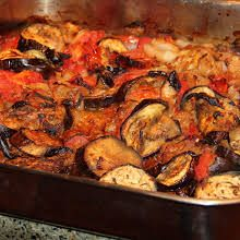 Eggplant Fricassée with Eggplants, Tomatoes, Sweet Onions, Extra Virgin Olive Oil, Salt, Thyme, Rosemary, Bay Leaves, Ground Pepper. Vegan Eggplant, Eggplant Recipes, Vegan Foods, Vegan Dishes, Sushi Recipes, Vegan Recipes, Diet Recipes, Chili Garlic Sauce, French Dishes
