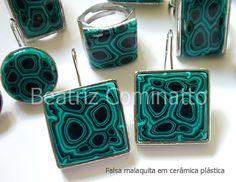 Falsa malaquita em cerâmica plástica by Beatriz Cominatto, via Flickr