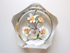 Paul Stankard desert flower paperweight. Click on the image for more information.