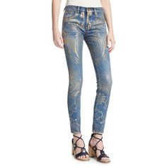 Roberto Cavalli Foiled-Paisley Skinny Jeans (€655) ❤ liked on Polyvore featuring jeans, dark blue, mid rise jeans, button-fly jeans, dark blue skinny jeans, dark blue jeans and frayed skinny jeans