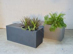 Modern Living, Mid-century Modern, Land Scaping, Modern Planters, Take A Seat, Greenery, Stuff To Do, Planter Pots, Indoor