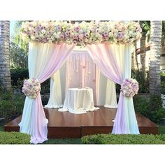 Beautiful #taglyancomplex gardens #ceremony #petalsla August #2015