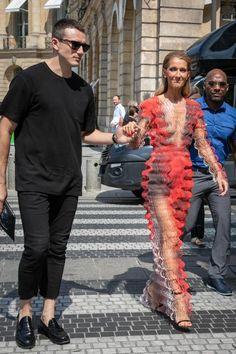 Céline Dion et Pepe Munoz / GettyImages Celine Dion, Mature Women Hairstyles, Autumn Fashion Women Fall Outfits, La Fashion Week, Costume Design, Celebrity Style, Celebs, Singer, Clothes For Women