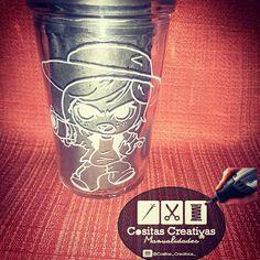 Tallado en vidrio Carl The Walking Dead Carl The Walking Dead, Creative Things, Jelly Beans, Glass, Creativity, Manualidades