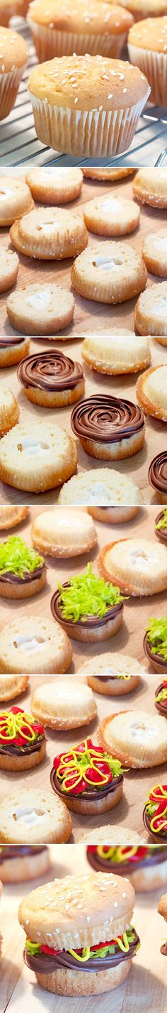 Cupcakes de Burger ~ ajonjolí corte superó las magdalenas por la mitad, y luego poner helar marrón, rojo, amarillo y verde coco rallado entre las dos mitades de la magdalena para crear estos pastelitos impresionante hamburguesa! También puede sustituir el glaseado de chocolate brownie por un corte con un cortador de galletas redondo de la hamburguesa