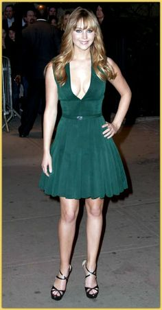 Jennifer Lawrence Dress at The Hunger Games New York City Premiere Jennifer Lawrence Bangs, Celebrity Dresses, Celebrity Style, Celebrity Photos, Celebrity Measurements, Jennifer Laurence, Long Face Shapes, Hot Haircuts, Long Face Hairstyles