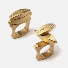 Michael Berger  kinetic ring  yellow gold 750/000  12 diamonds  micro ball bearings