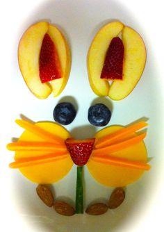 用 #水果 整嘅小貓咪,同你一齊迎接開心星期一!@Webflakes #HK #Fruit